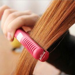 Wholesale Hot Sale Portable Mini Ceramic Hair Curl Straightener Flat Iron Perm Splint Hair Care Styling Tools