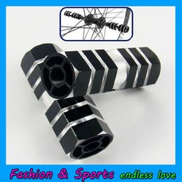 Wholesale Hot Sale Cycling BMX Bike Bicycle Cylinder Aluminum Alloy quot pedal Axle Foot Pegs Rocket Bicycle Socle