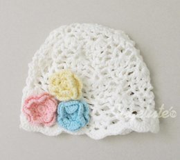 Wholesale Autumn Winter Export Taiwan New Style Infant Cap Three Flower Candy Colors Hand Knits Baby White Hat HR64