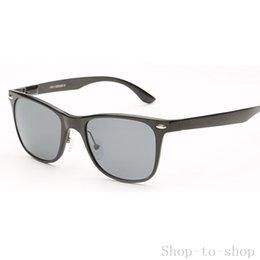 Dernières Trendy Wrap Around lunettes de soleil Polarized haute qualité HD vision novice lunettes populaires Hipster lunettes 8559 à partir de lunettes de soleil hd wrap fournisseurs