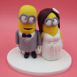 Wholesale Cheap cm Minions Wedding Cake Topper Dispicable Me Mini Mrs Mrs Cake Topper Figurine Sculpture Children Party Cake Toppers