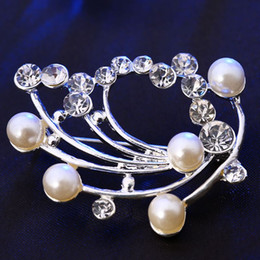 Fasion Scarf Buckle Brooch Simple Pearl Rhinestone Brooch Elegant Gift Wedding accessories Flower Brooch Jewelry Free shipping