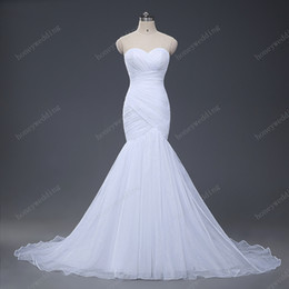 Stock Sexy Mermaid Wedding Dresses 2017 Strapless Wedding Gowns Trumpet New Design White Ivory Tulle Bridal Gowns Hot Bride Dress