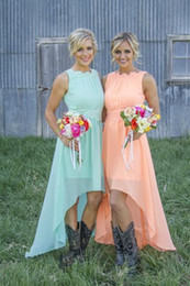 Romantic Bridesmaid Dresses High-Low Floral Ruffles High Neck Backless and Zipper Sleeveless Lace Applique A-Line Bridesmaid Dresses