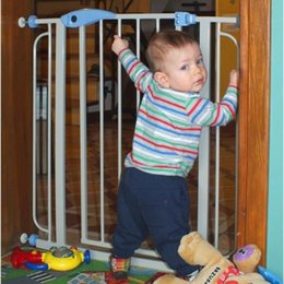 Wholesale Baby safety door fence guardrail pet fence fence safety protection fence