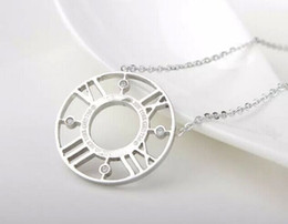 Fashion Silver Roman Number Necklace Stainless Steel Round Hollow Rhinestone Roman Numbers Necklace Jewelry For Women