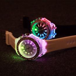 Geneva Colorful Lights Watches Led Luminous Diamond Watch Fashion Silicone Diamond Rhinestone Watch For Men Womens Quartz Wristwatches Gift