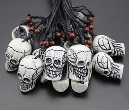 Jewelry Wholesale 12pcs Imitation Yak Bone Carving Halloween Horror Skeleton Skull Head Pendant Necklace Gift MN303