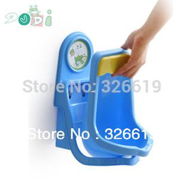 Wholesale Potty for baby for boy Plastic PP and PVC made Character Frog Dudi DA Blue White Wall Suction of Boy Urinal