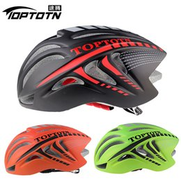 Wholesale Pack TOPTOTN new type of pneumatic bicycle helmet mountain bike road vehicle integrated molding speed riding helmet color
