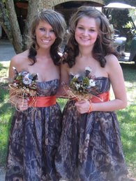 Charming Camo Bridesmaid Dresses Sweetheart A line Backless Short Wedding Party Gowns Knee Length with Orange Belt