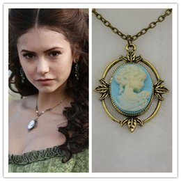 Wholesale 2016 Fashion Movie Film Jewelry Vampire Diaries Katherine Beauty Head Pendant Vintage Necklace For Women ZJ