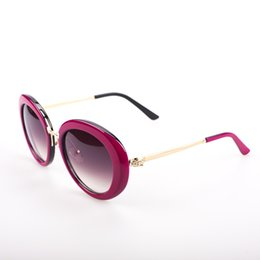 2015 new style women fashion sunglasses high quality Oval frame metal parts polarized sunglasses wholesale factory price
