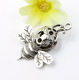 Wholesale 29x38mm Tibetan silver D Cue Flying Bee Smile Face Animal Charms Pendants L969 Jewelry Findings Components
