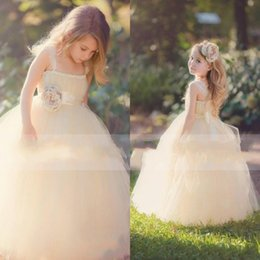 Cheap Lovely Flower Girl Dresses Children from Eiffelbride with Beautiful Hand-made Flowers and Princess Puffy Tulle Pageant Girls Dresses
