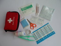 Wholesale Trendy First Aid Kit Traveler Emergency Bag Home Car Outdoor AUAT Mini Portable First Aid Supply PBT bandage Alcohol pad in
