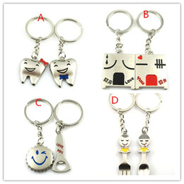 20 PCS = 10 pairs of creative smile Beer cover lovers keychain wedding gift for the key chain;ZJ1105