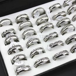 2017 alto acero inoxidable pulido Los anillos cúbicos pulidos de plata al por mayor del Zircon del acero inoxidable de la porción 36pcs platean el anillo cristalino claro MR26 de las vendas del contrato / de la boda alto acero inoxidable pulido Rebaja