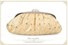Wholesale-2015 New Fashion Embroidery Evening Bag Ladies Luxury wedding Party bride handbag chain Black Gold Silver Color 128C