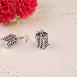 Wholesale 2015 Hot Movies Jewelry Ancient Silver TARDIS Doctor Who telephone booth Earrings Mysterious Infiniti Charm For Men And Women best Gifts
