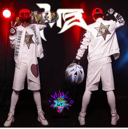 Male singer clubs in Europe and the runway looks black and white keys drills very white hip-hop baseball uniforms. S - 6 xl