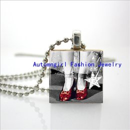 Wholesale 2015 New Ruby Shoes Pendant Black And White Wizard Of Oz Scrabble Tile Jewelry Ball Chain Necklace E
