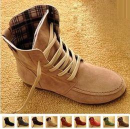 Wholesale 2017 Les bottes de moto de la cheville des femmes les plus récentes de l automne Les chaussures d été de l hiver de Martin Les chaussures de cuir de la femme Les bottes de neige A303