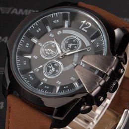 Acheter en ligne La montre-bracelet pour hommes-V6 Big Dial Alloy Case Marron Bracelet en cuir Montre Causal Horloge Homme Militaire Quartz Montres Hommes Sport Montre / WAA765