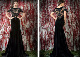 2015 Sheer Black Velvet Formal Evening Dresses Short Sleeve Bateau Neckline Lace Appliques Long Prom Dress