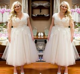 Charming Plus Size 2016 Short Wedding Dresses Tea Length Applique Tulle Beach Garden Capped Empire Wasit Bridal Ball Gowns A-Line