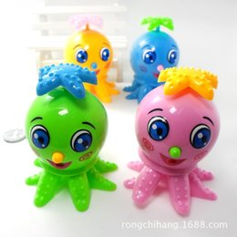 Clockwork wholesale cute cartoon octopus small octopus will go sideways on the chain of children's toys manufacturers oh
