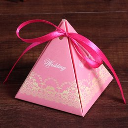 Romantic triangle Pyramid printing candy box lace Favor Holders boxes Cartoon candy gift box for wedding Christmas supplies 240153