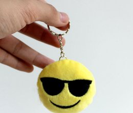 Wholesale Wedding Keychains wedding gift Lovely Emoji Smiley keychains love keychainS Keychain Favors for Christmas gift