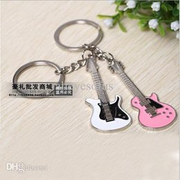 Wholesale-1 Pair Lover's key chains,Retail Guitar Keychains Key chains Creative Design Guitar Musical Instrument Gift Pendants