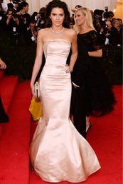 Pink Mermaid Evening Dress Strapless Custom Made Floor Length Celebrity Gown in red Carpet Stain Elegant Prom Gowns 2016 Vestidos de Festa