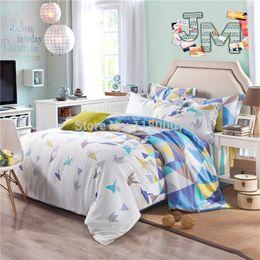 Wholesale-Tencel Colorful Cranes Pattern on White Reversible Duvet Cover Set 4-piece Striped Flat Bed Sheet Coverlet Bed Lien
