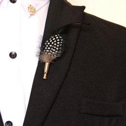 Wholesale Original vintage European style high grade Feather Brooch Pin Brooch host stage leisure shirt