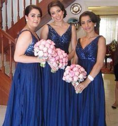 Wholesale HotSexy bleu marine Robe de Demoiselle d Honneur en Mousseline Brillant Sequin V neck Longueur de plancher Cheap Best Selling Long Wedding Party Dress