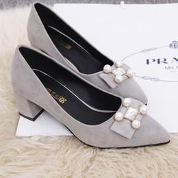 Promotion perles de diamant hauts talons 2015 nouvelles filles célibataires avec la bouche peu profonde ont fait des chaussures hauts talons avec rugueux chaussures diamant perle chaussures occupation d'automne