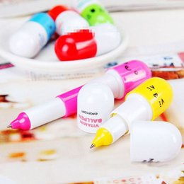 Wholesale 2pcs set Cute Smiling Face Pill Ball Point Pen Pencils Telescopic Vitamin Capsule Ballpen Color Random Drop Shipping OSS