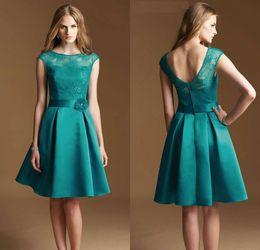 Custom Made A Line Jewel Knee Length Hunter Green Lace Short Bridesmaid Dresses Sheer Neckline Vintage Style Garden Short Prom Gowns