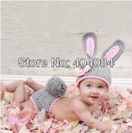 2017 cute baby accesorios de fotografía 2013 NUEVOS sombreros lindos al por menor del bebé del conejo y cortocircuitos La fotografía recién nacida del ganchillo hecho a mano apoya el sombrero y el pañal 1 del bebé cute baby accesorios de fotografía limpiar