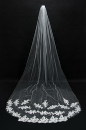 Wholesale 2015 Bridal Veils Cheap Long Veils Soft Tulle Long Veil with Lace on the Edge Cathedral Veils for Wedding Events CPA067