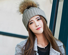 Wholesale Stylish Winter Hats knitted beanie fur hat Removable real Raccoon Fur Ball Top Fitted Apparel Accessories christmas hat gift