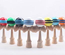 Wholesale Jouets en bois traditionnels japonais de grande boule de Kendama beaucoup de couleurs cm Jouets de nouveauté de cadeaux d éducation Livraison gratuite de DHL