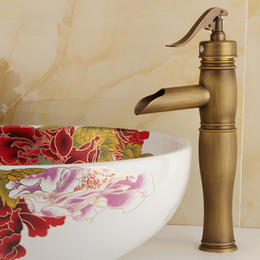 Wholesale and retail Copper basin faucet Kitchen bathroom faucet Single hole of cold faucet Retro style Hat Their style