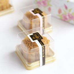 Wholesale 100 food grade Single individual golden bottom plastic mooncake cake boxes and food gift packaging