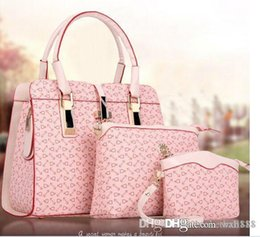 Wholesale New Real Store Handbag Three piece suit Female package New product Bag Hand Bag At Hand h39