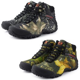 Wholesale Brand New Men s hiking shoes anti skid mountain climbing boots outdoor athletic breathable men Graffiti trekking shoes waterproof
