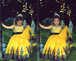 Cheap 2018 Cute Yellow Princess Ball Gown Flower Girls Dresses With Short Cap Sleeves Crew Neck Black Lace Appliques Girls Pageant Dresses
